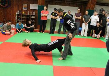 1024px-krav_maga_womens_self_defense_in_the_ekmt