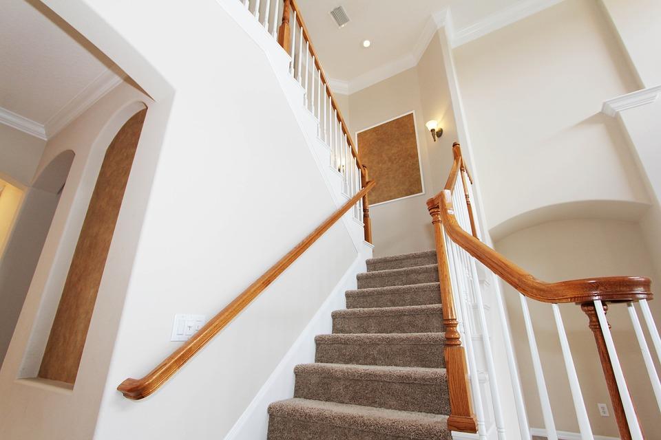 comment poser un nez de marche en alu nez de marche d 39 escalier et moquette free landz. Black Bedroom Furniture Sets. Home Design Ideas